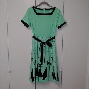 Dresses & Skirts - NWOT Fit & Flare Short Sleeve Cat Print Dress, M